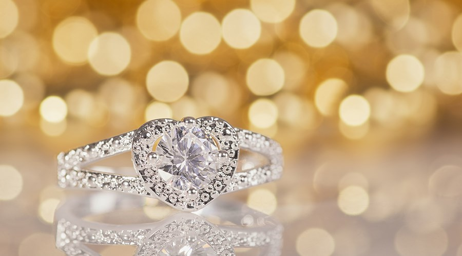 Our top tips on how to look after your Engagement ring and Wedding rings!