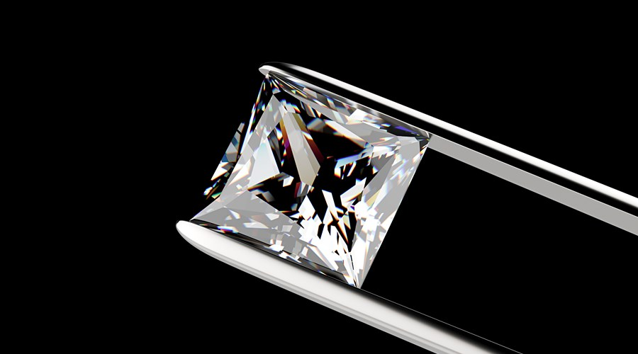Sparkly Spotlight on...  Princess Cut Diamonds
