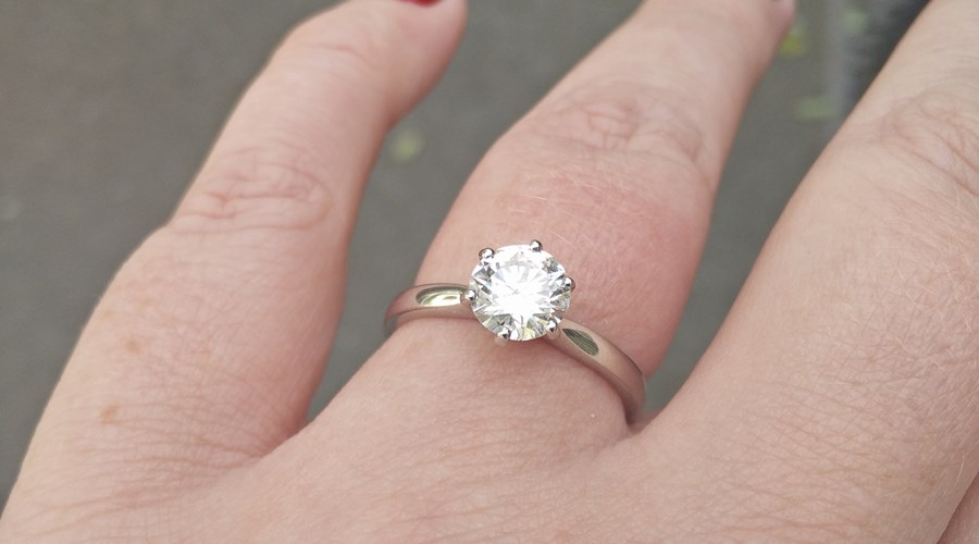 How To Choose Your Engagement Ring Together