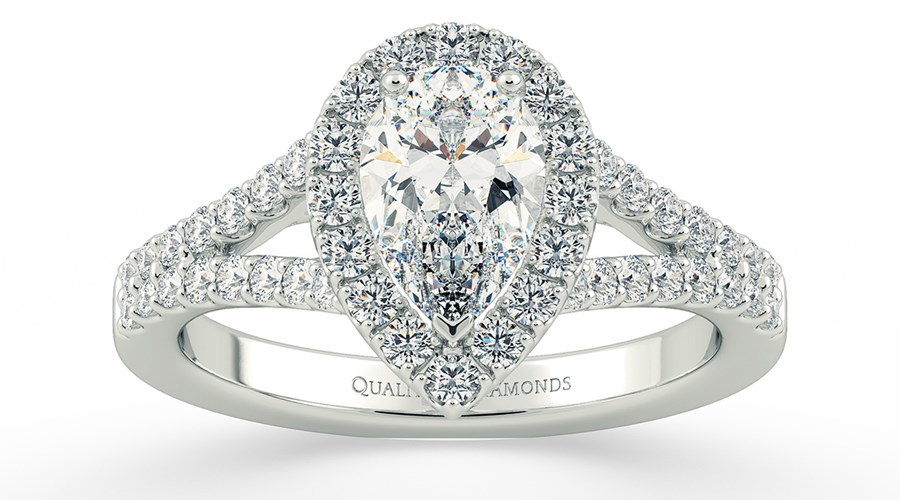 Paris Hilton's show stopping Engagement ring, and other ring trends set for 2018!
