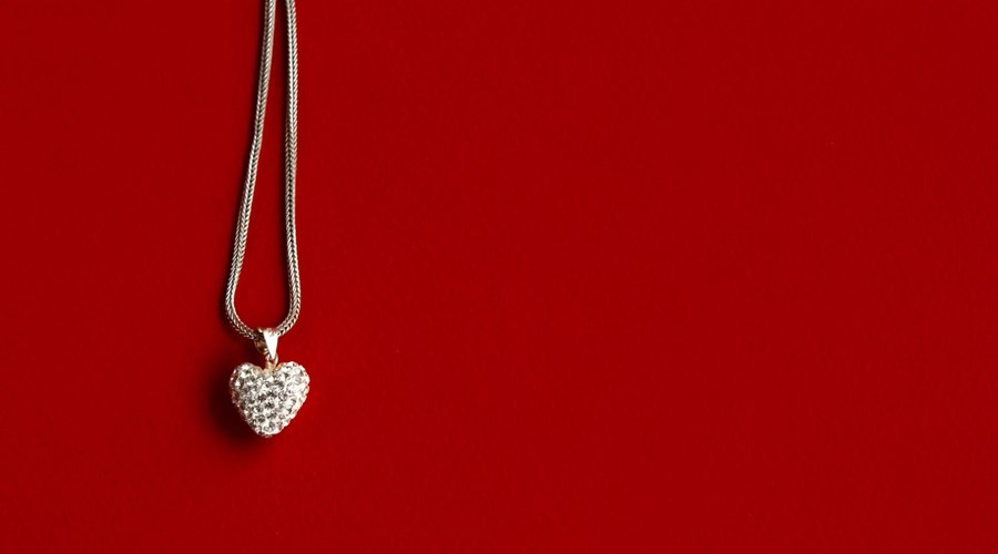 Diamond Pendants you should be wearing this Valentine's